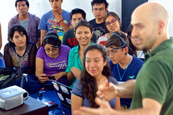 Clubes de Ciencia: Neurocucaracha; Oaxaca, Mexico